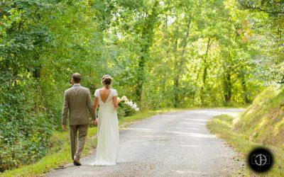 Photographe mariage Agen, couple dans la nature