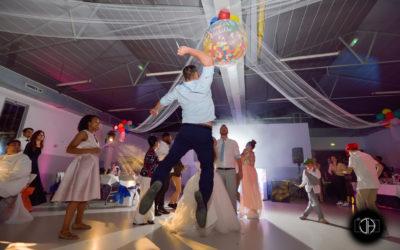 Photographe mariage Tournefeuille, Soirée, Ballon fixé plafond