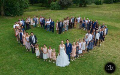 Photo groupe mariage forme coeur Moulin de Rudelle Muret